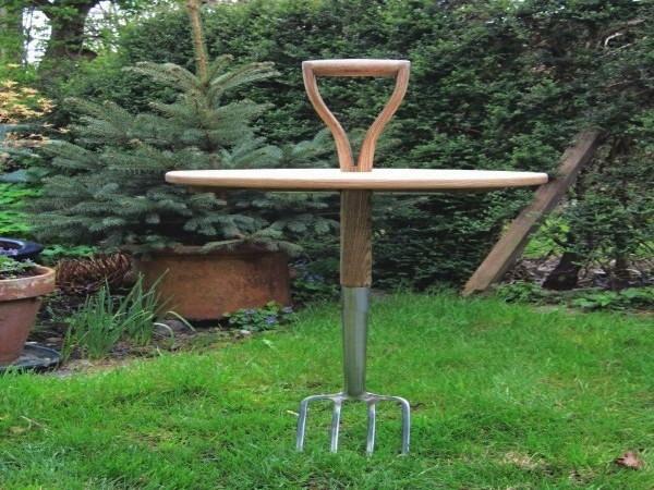 Мебель для сада Garden Fork Table, полезная и для работы, и для отдыха