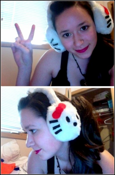 Hello Kitty согреет ушки
