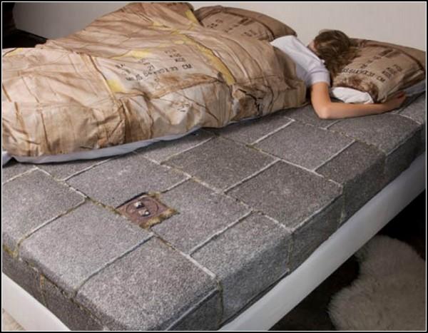 Проект Homeless Bedding. Белье для богатых - в помощь бедным