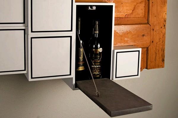 Антикварно-современная мебель Instabil Bar от компании AntikKOMBO