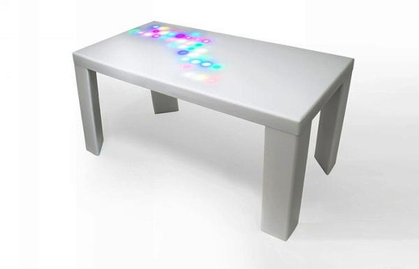 Мебель от NunoErin на прикосновение отвечает светом