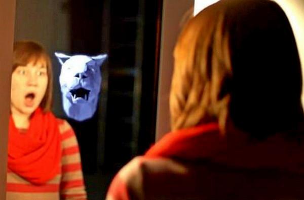 Интерактивное зеркало от Karolina Sobecka покажет *зверя внутри*