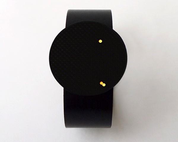 KeiKei Watch: часы со *светлячками* для управления смартфоном