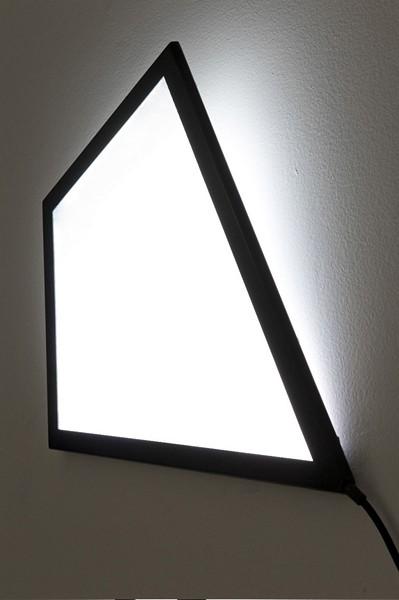 Воздушный змей Kite Light, или светильник, парящий под потолком.