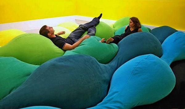 Как подушки превращаются в ковер. Проект Les M pillow для Centre Pompidou-Metz