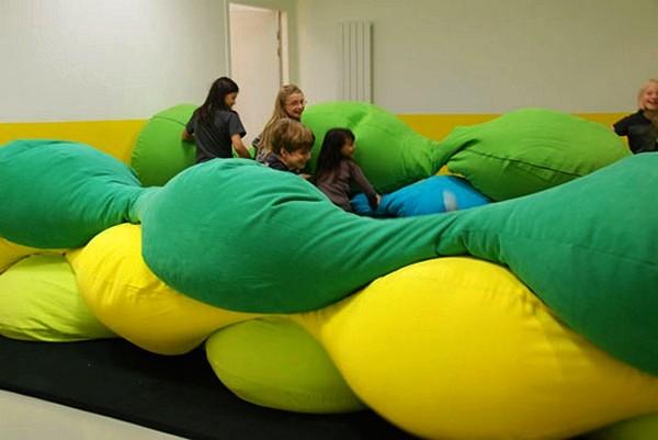 Разноцветные детские подушки Les M pillow для Centre Pompidou-Metz