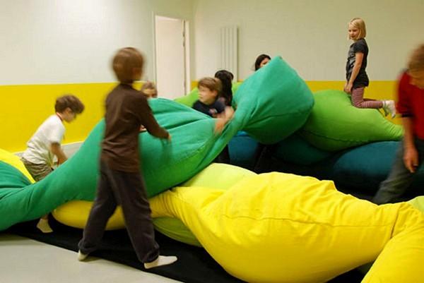 Игры подушками, за которые не наказывают. Разноцветные детские подушки Les M pillow