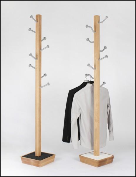 MOT: диковинная вешалка с гвоздями-крючочками
