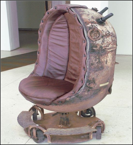 Необычная мебель из использованных морских мин