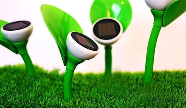 Mohzy Petal, дизайнерский светильник в виде цветка для высокотехнологичной клумбы