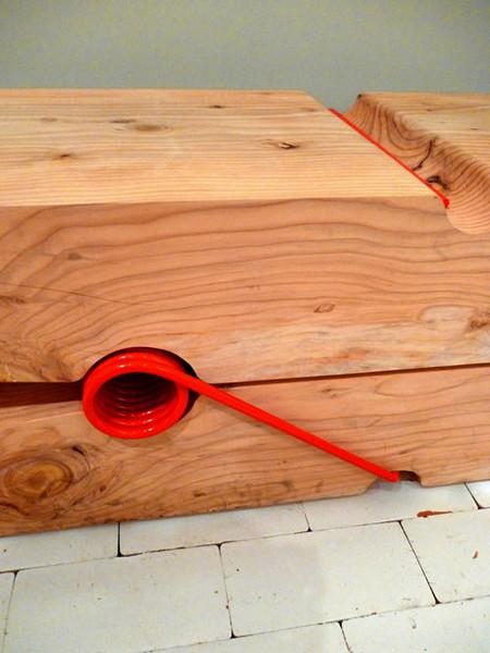 Деревянная скамейка Molletta bench в виде бельевой прищепки