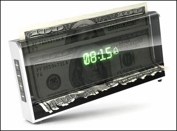 Money Shredding Alarm Clock, будильник, поедающий деньги