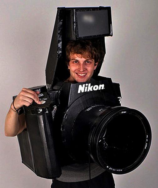 Костюм Nikon D3 Camera Costume, который делает настоящие фотографии