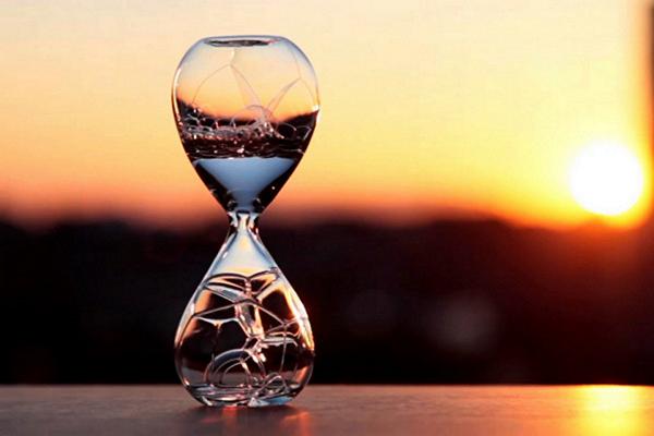 Awaglass: *пузырьковые* часы от Norihiko Terayama