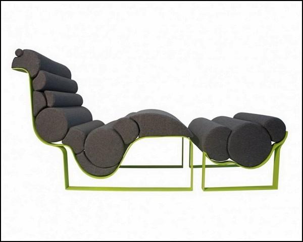 Кресло-лежак из подушек разной плотности