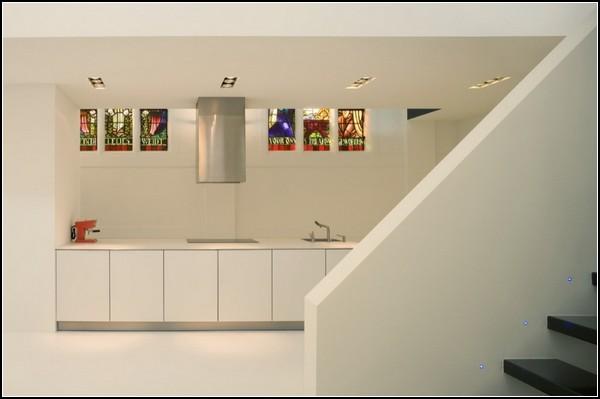 Когда-то часовня, теперь - жилой дом. Проект ZECC Archtitecten