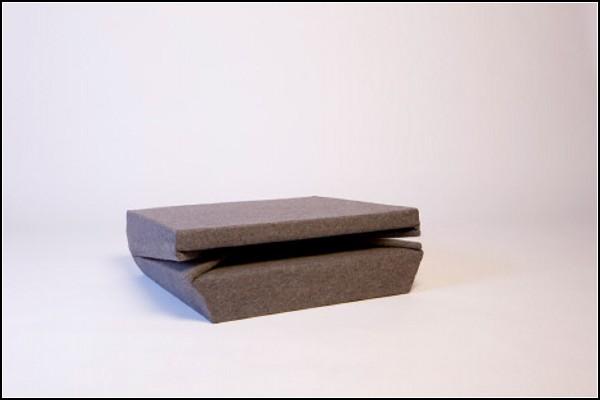 В сложенном виде - плоская подушка