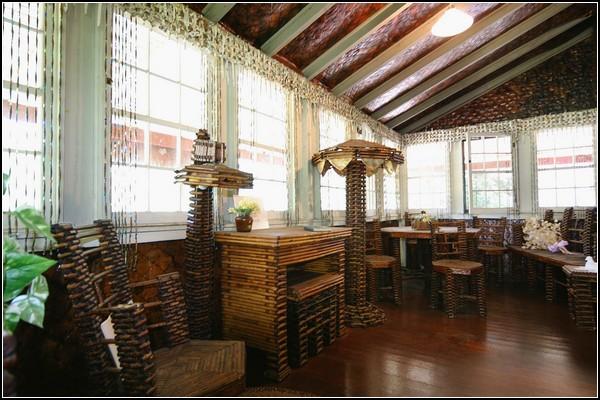 Newspaper House. Дом из старых газет