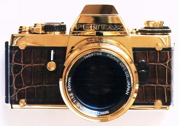 Эксклюзивная модель золотой фотокамеры Pentax LX Gold