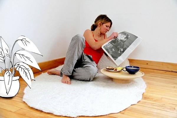 BreakfastRug, коврик со спинкой и столиком для завтрака