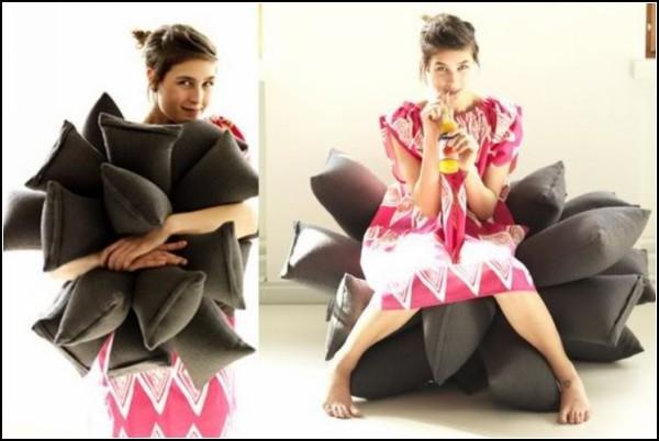 *Цветок* из подушек, он же диван Pillow Sofa