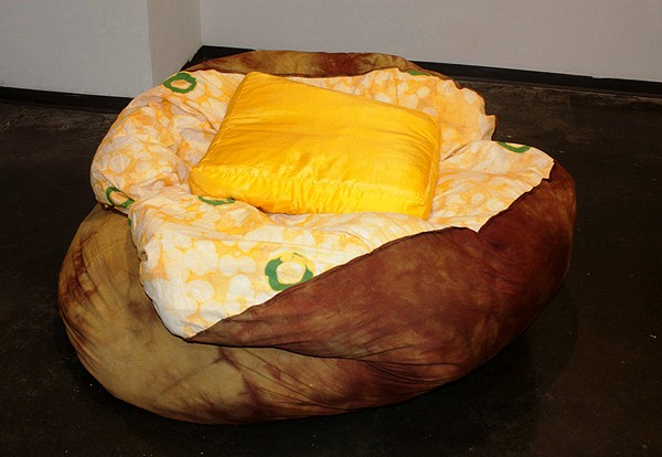 Печеная картошка с маслом - необычное кресло-мешок Baked Potato Bean Bag