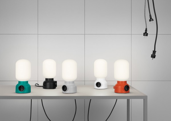 Настольная лампа Plug Lamp с интегрированной розеткой
