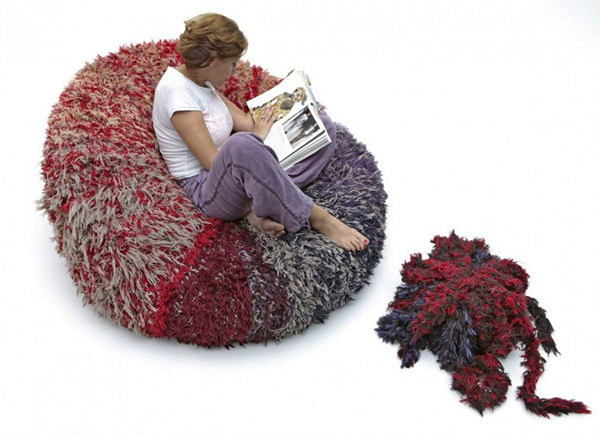 Кресло-помпон *PomPon chair* от компании CROP