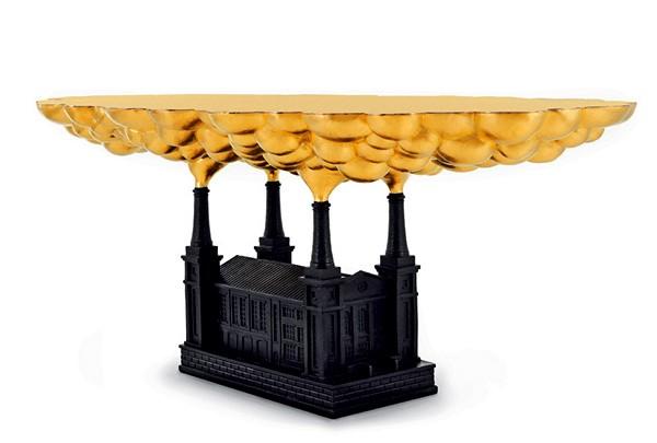 Эксклюзивный журнальный столик с золоченой столешницей, лауреат премии за худший дизайн