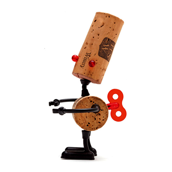 Luke, робот из винных пробок