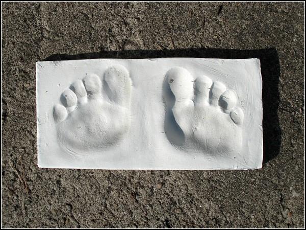 Напольные весы Salposy, сделанные из бетона