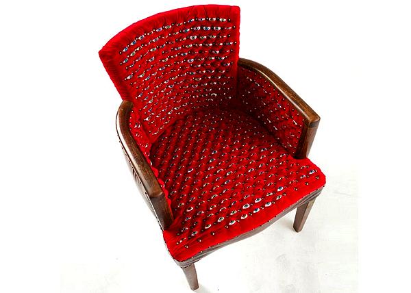 Странное глазастое кресло Scopophilia Chair