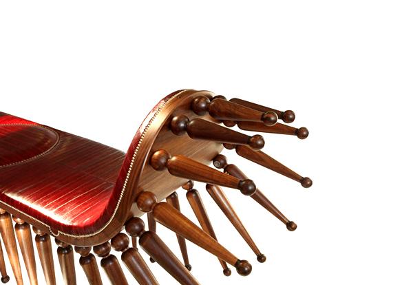 Дизайнерская скамья Shongololo bench с 56 ножками
