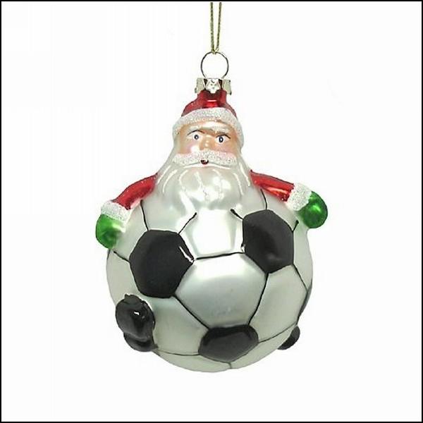 Елочная игрушка в виде Санты-футболиста