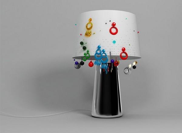 Дизайнерский светильник Sophia Lamp как хранилище для сережек