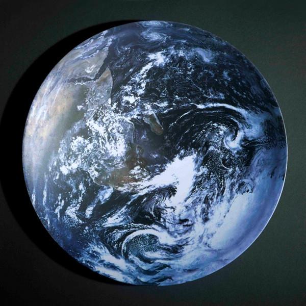 Тарелка *Земля* из серии космической посуды Space Bowls