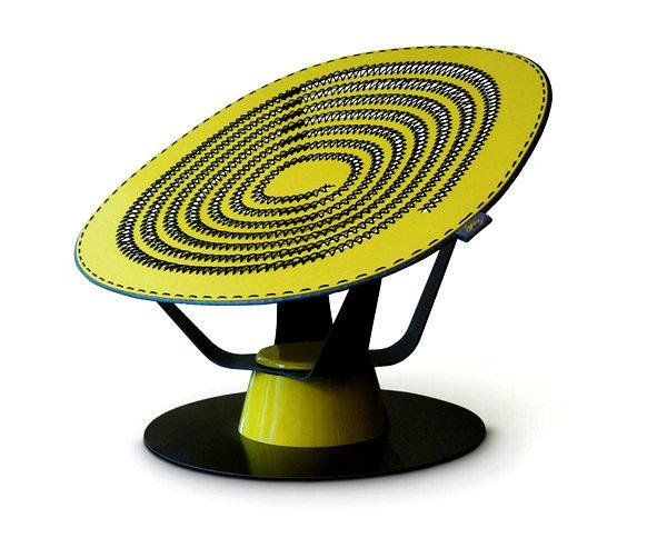 Sprung Chair: пружинящее кресло-батут ручной работы