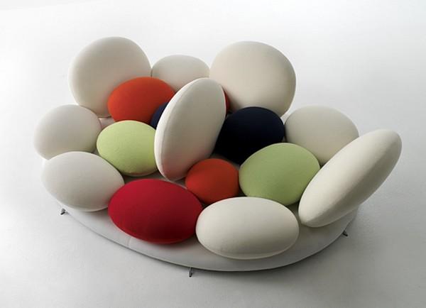 "Tantisassi, диван от Matteo Thun с подушками-""конфетами"""