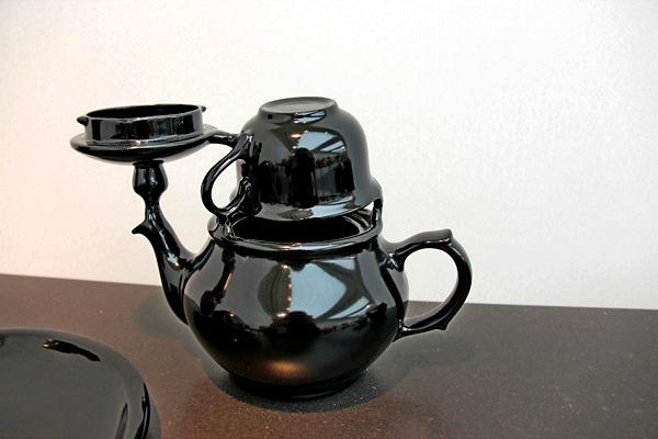Throwing Sculptures: керамическая посуда из разбитых скульптур