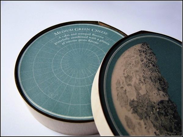Космическая упаковка для молодого сыра