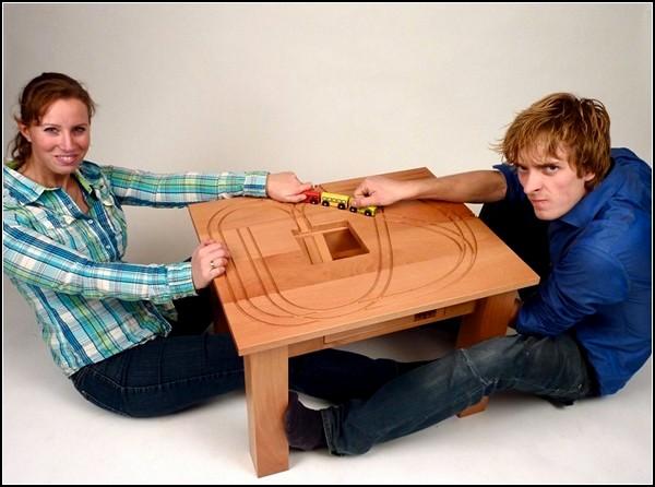 Train Table, стол с паровозиком для детских игр