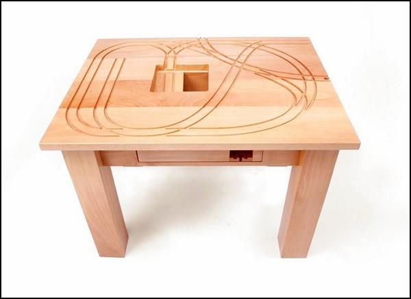Train Table, стол с паровозиком для детских игр и игр с детьми