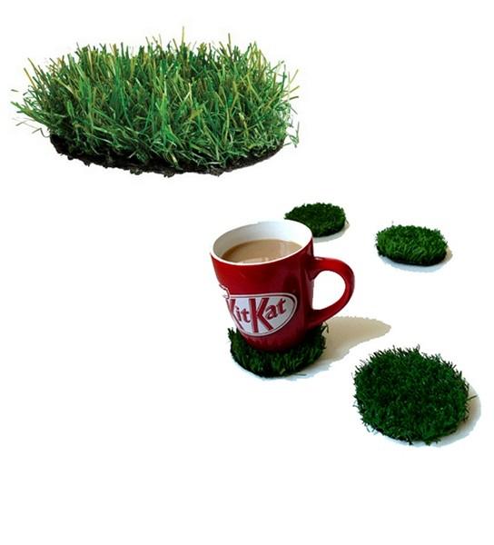 Подставка в виде зеленой лужайки