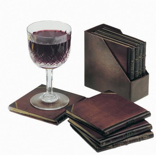 Набор подставок в виде полочки с книгами