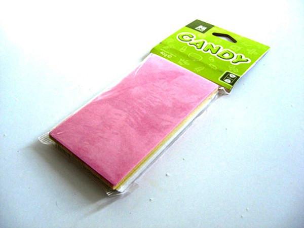 Цветная бумага из разноцветных конфет