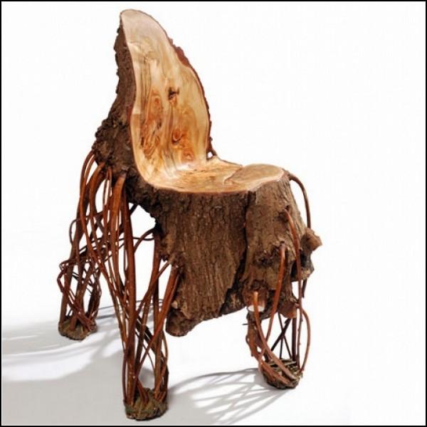 Деревянный стул вверх тормашками: Upside Down