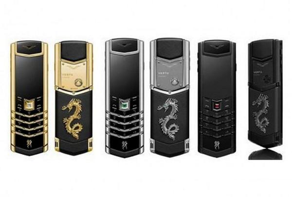 Серия мобильных телефонов с символикой 2012 года Vertu Signature Dragon