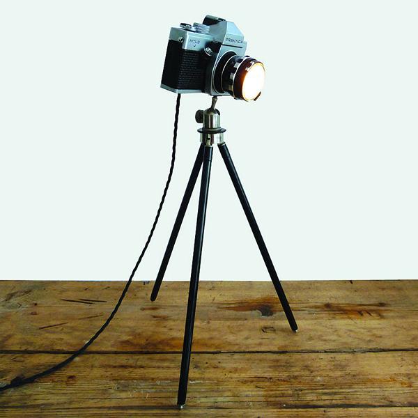 Zenit Camera Lamp и Praktica Camera Lamp. Фотоаппарат вместо лампы
