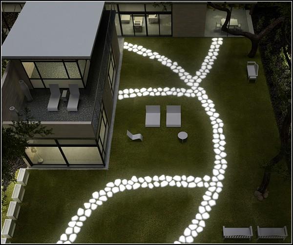 Необычный вариант светильников для сада