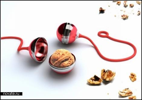 Милая дизайнерская глупость. Walnut Yo-Yo для разбивания орехов